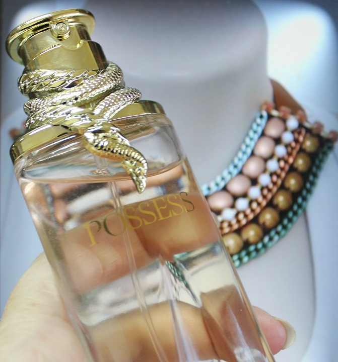 perfume possess oriflame